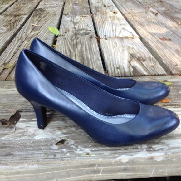 Life Stride Navy pumps In new condition. Super comfortable. Hardly worn. Purchased when my feet we bigger when I was pregnant. 2.5 inches. Excellent condition. Life Stride Shoes