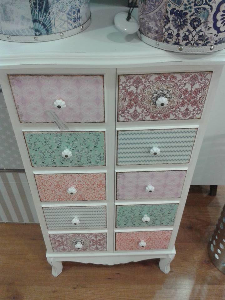 Entra en el pin para ver tips para reciclar los muebles de - Muebles decorados a mano ...