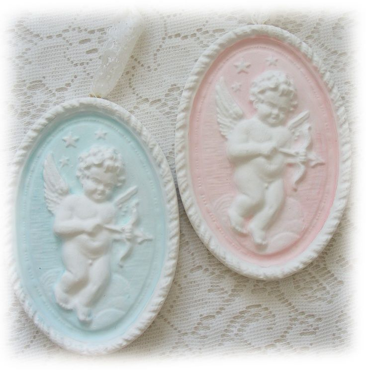 pink and blue cupids