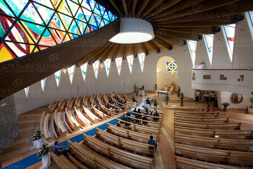 Realizzazioni - Una nuova linea di arredi per chiese ...