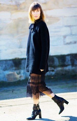 Renda, suéter e bota @whisperbysara