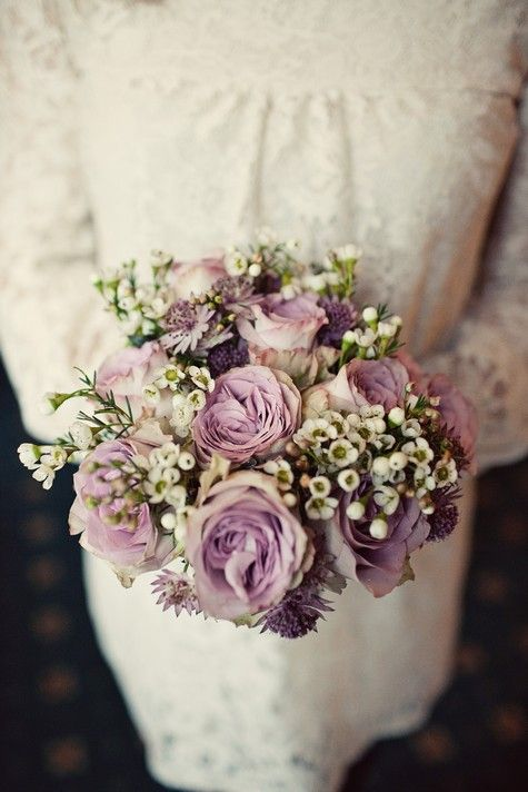 DIY wedding flowers | Burlap, Brooches and Flower bouquets