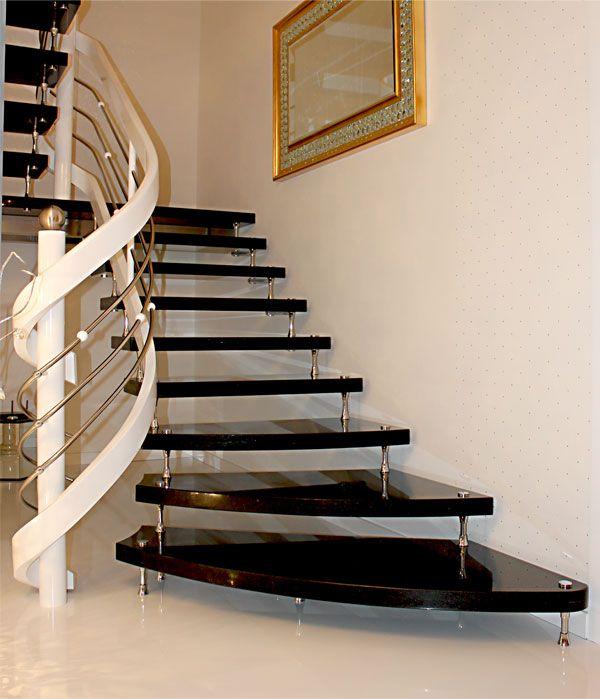 10 Ideen für Bolzentreppen Freitragende Treppen aus Granit - holz treppe design atmos studio