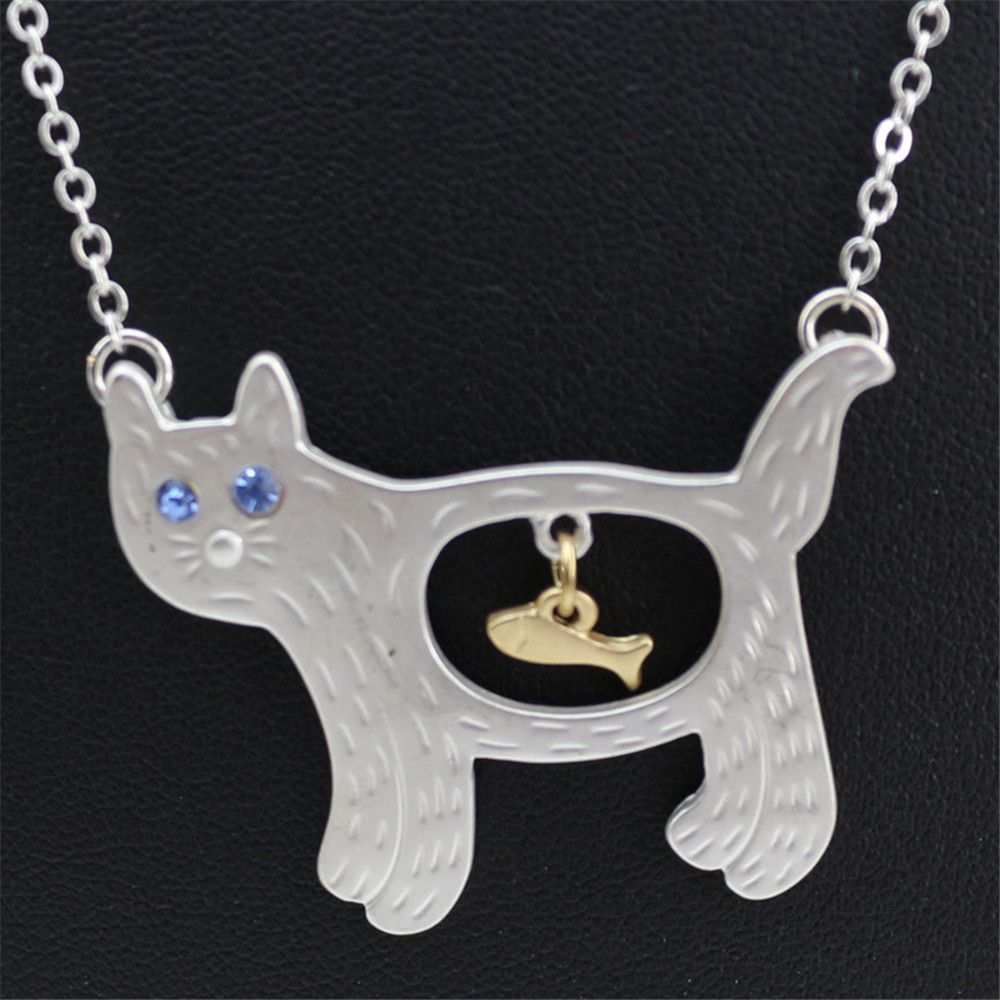 Fish in the Belly Blue Cats Eyes Pendant Necklace (มีรูปภาพ)