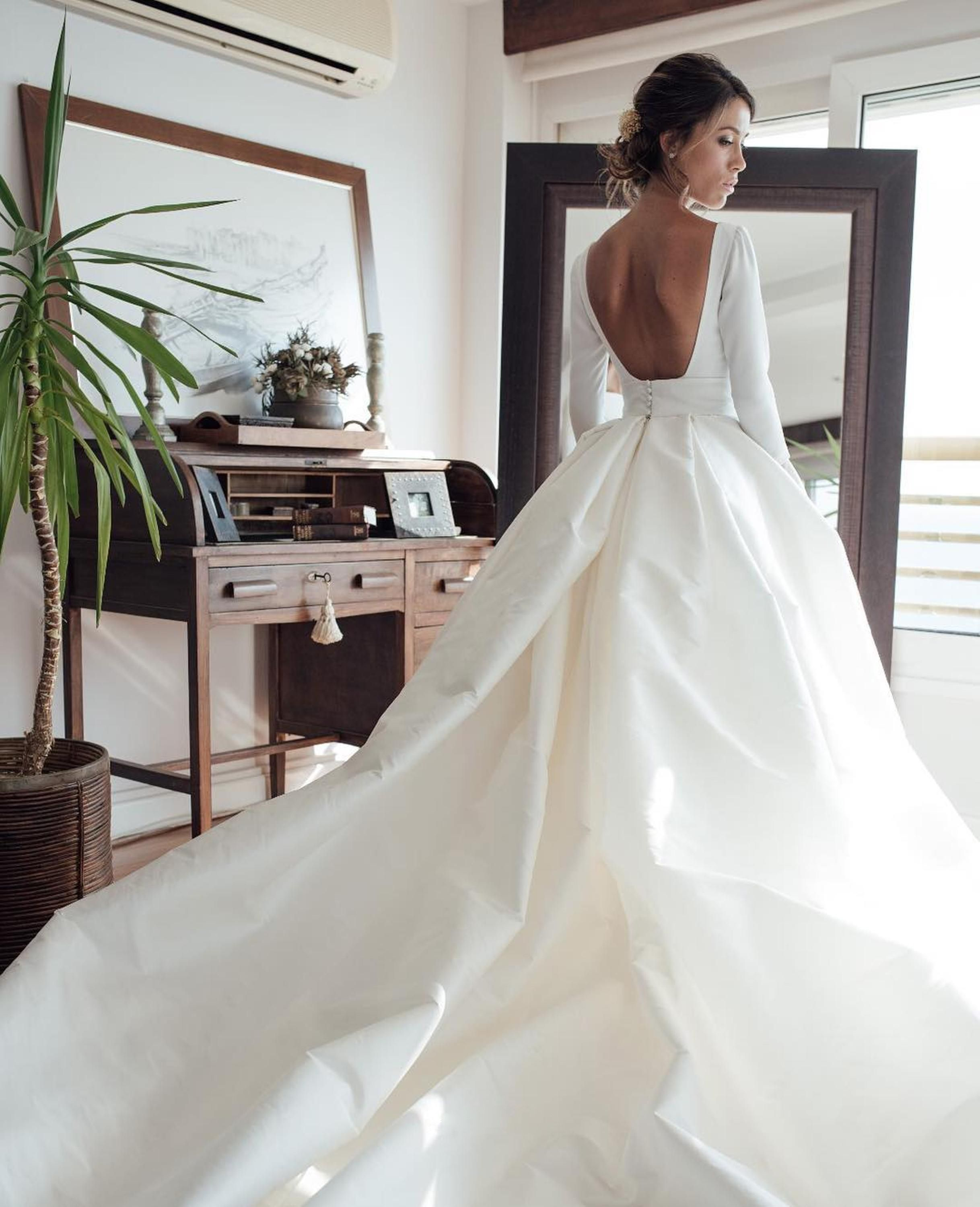 Couture Backless Ball Gown Wedding Dress 2018 Puffy Soft