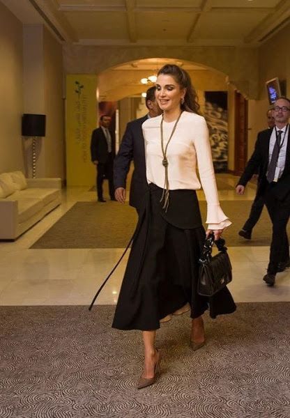 Queen Rania Attended The 2nd Teacher Skills Forum Queen Rania Queen Dress Fashion