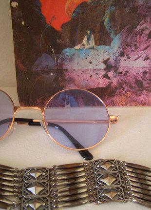 Kaufe meinen Artikel bei #Kleiderkreisel http://www.kleiderkreisel.de/accessoires/sonnenbrillen/136097276-fliederfabene-lennonbrille