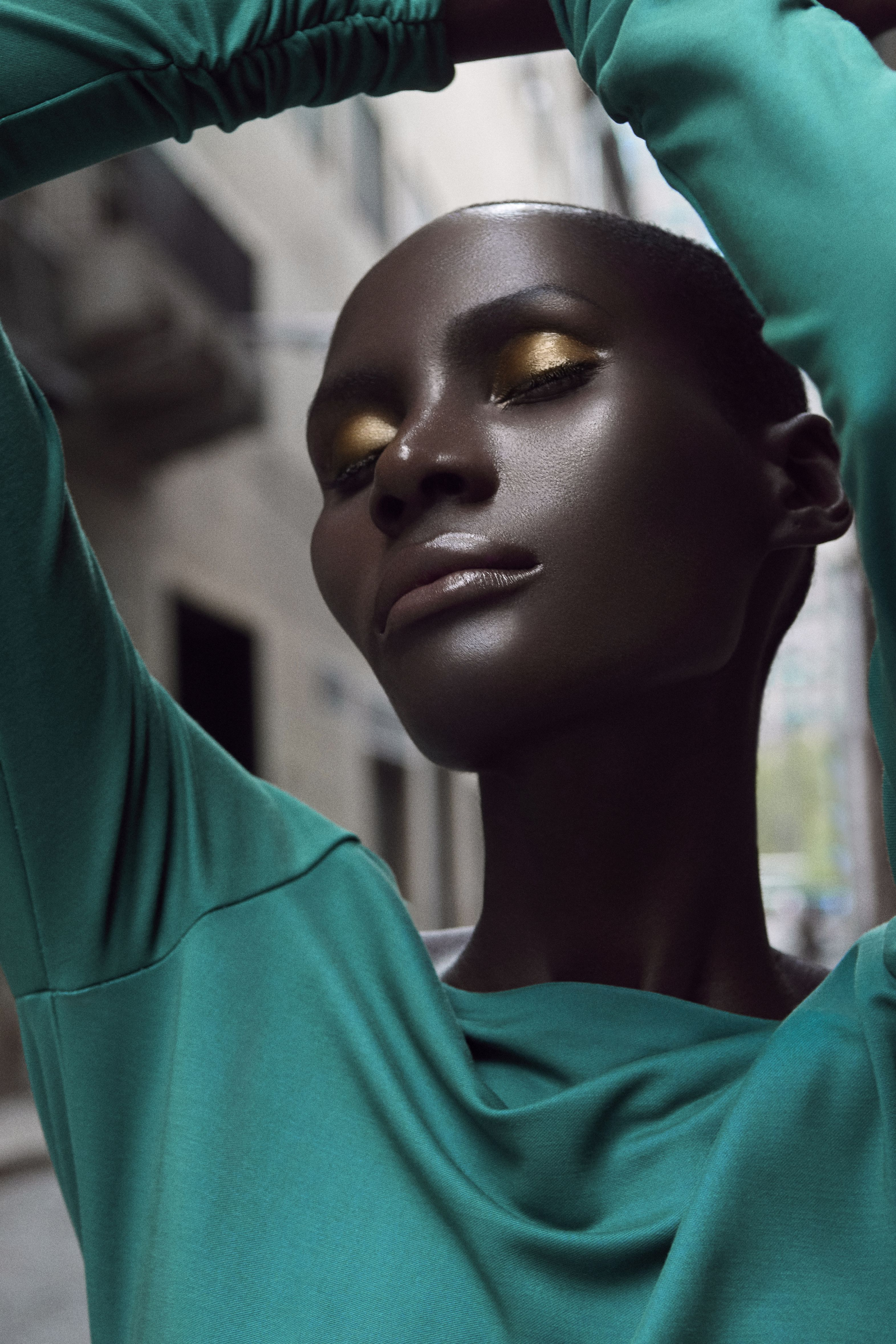 Pin by Ania on Iamania Dark skin makeup, Makeup tips for
