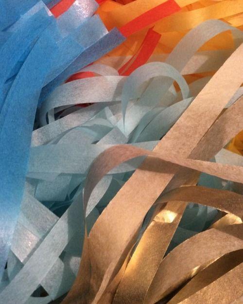 💎💛🔶 // WORK IN PROGRESS #crafttherainbow #garlands #tassels #closeup