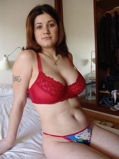 Women In Panties Amateur Pics