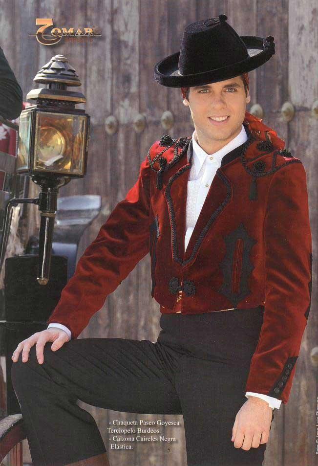 Paseo Jacket Goyesque Style in Maroon Velvet and Elastic Calzona Caireles  in Black ea63edd0138