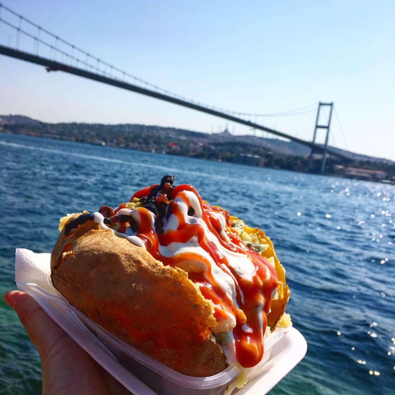 The delicious kumpir of Ortakoy, Istanbul | Yemek, Türkler, Istanbul