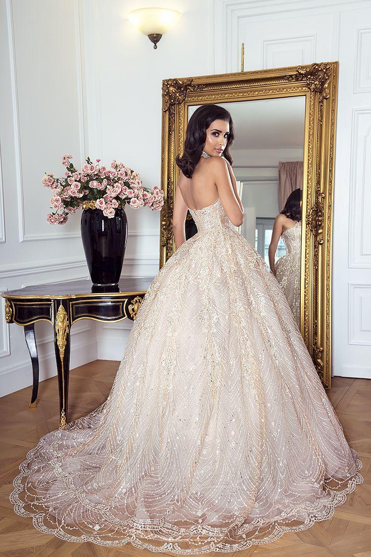 Princess dress by Sylwia Romaniuk  Wedding dress with a trail  Model Sara Faraj  Photography Oleander Warsaw