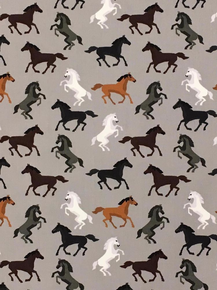 Horses Silver Fabric Remnant 100/% Cotton 40cm x 50cm wide