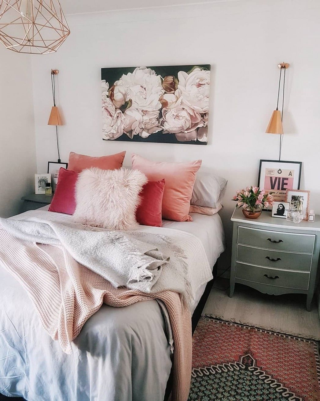 Small Bedroom Decorating Ideas Pinterest In 2020 Small Bedroom Decor Small Bedroom Bedroom Ideas Pinterest