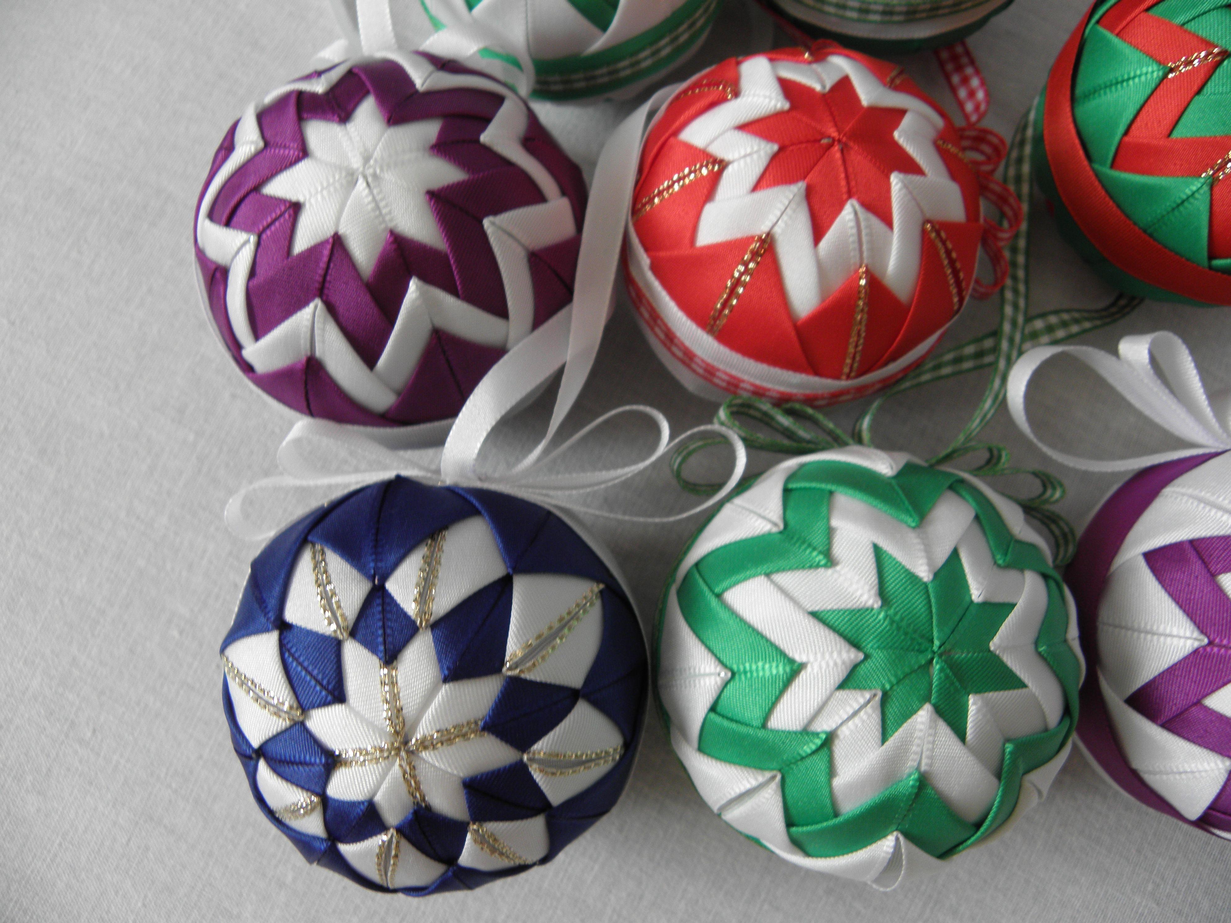 Folded fabric christmas ornaments patterns - Fale N Patchwork V No N Folded Fabric Ornamentsquilted Ornamentskanzashi Flowerscross Stitch Patternschristmas