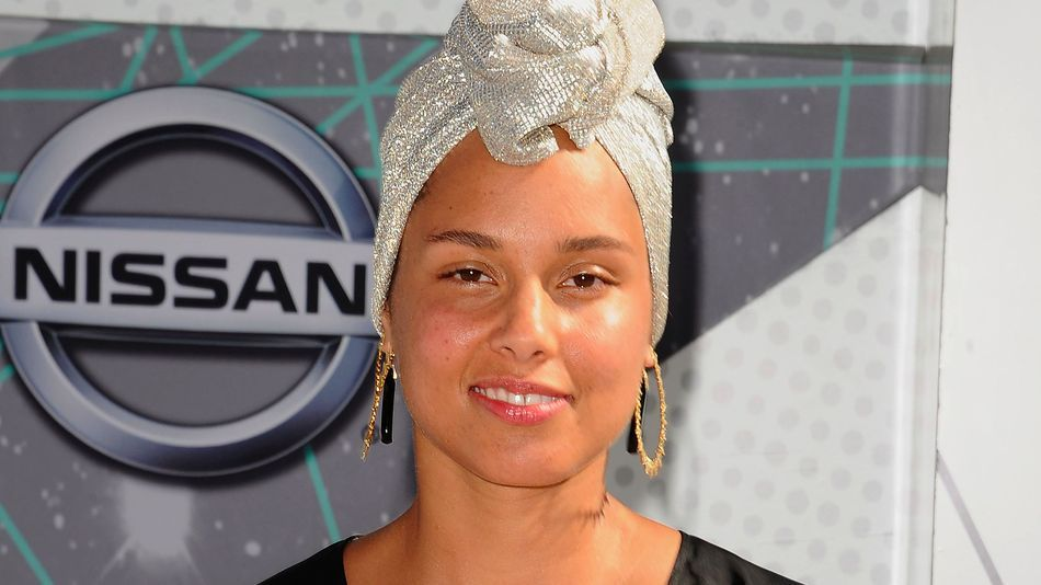 The Signum Times On Twitter Alicia Keys Red Makeup
