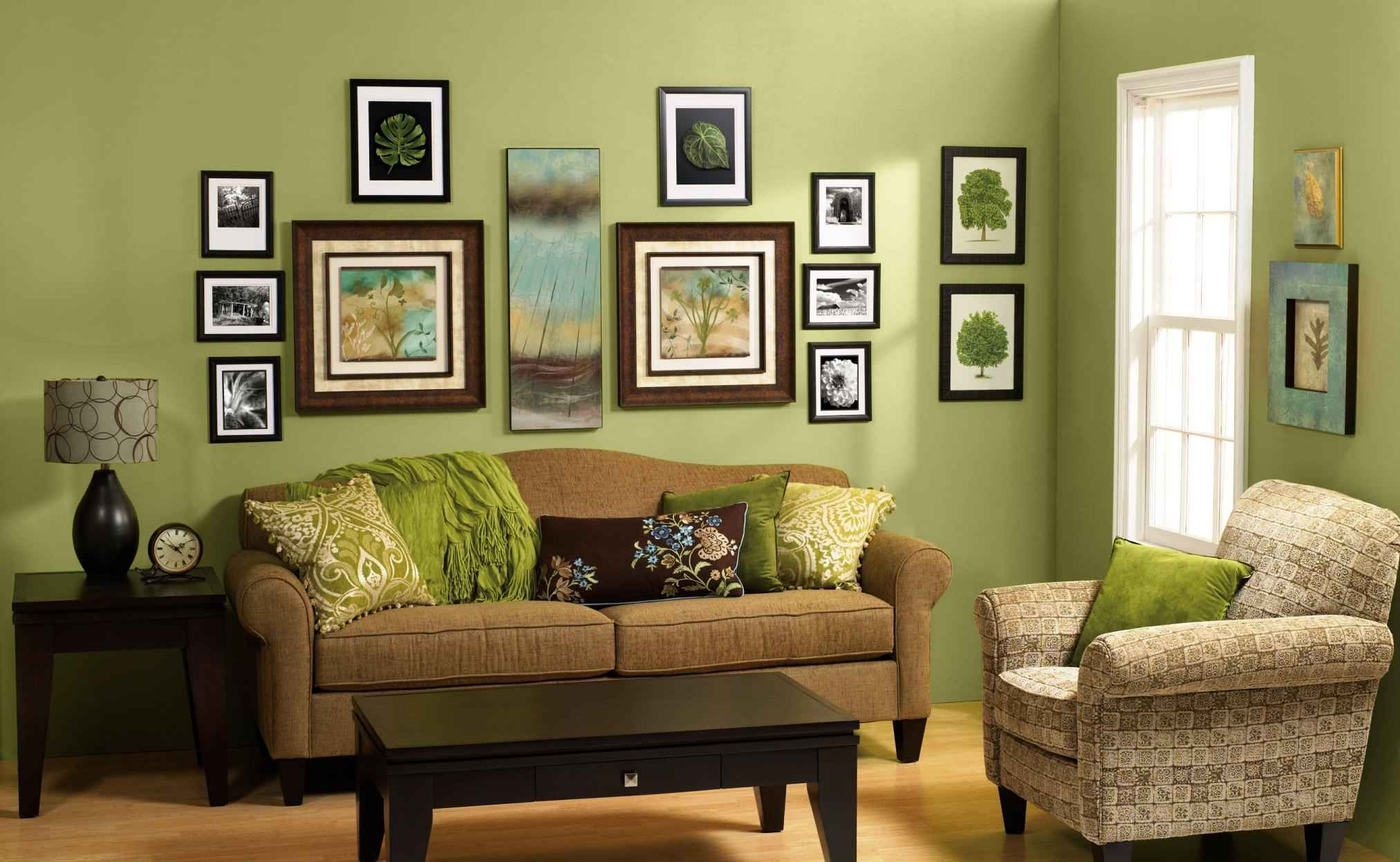 Decorate Your Living Room On A Low Budget Small Living Room