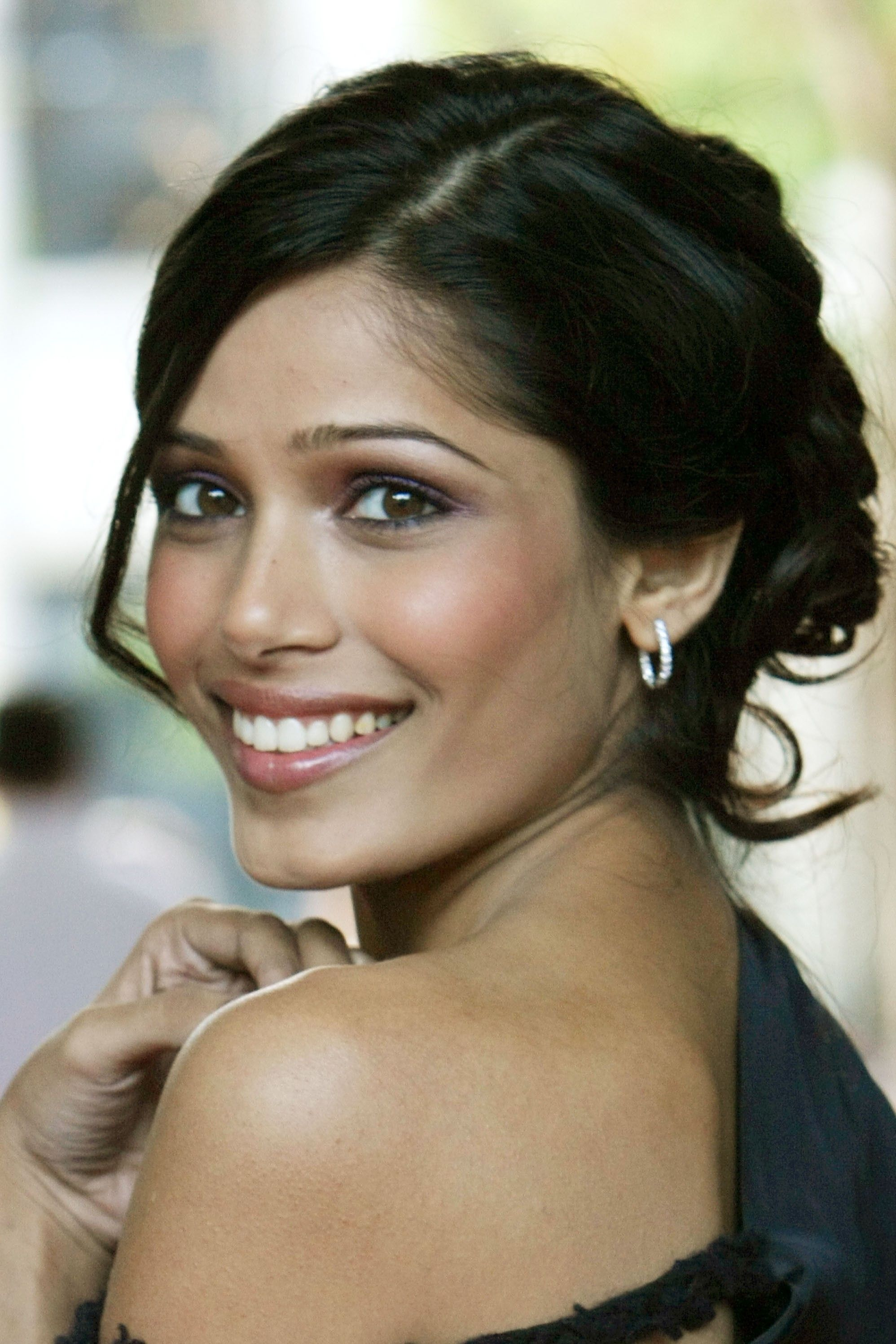 Freida Pinto Nude Photos 47