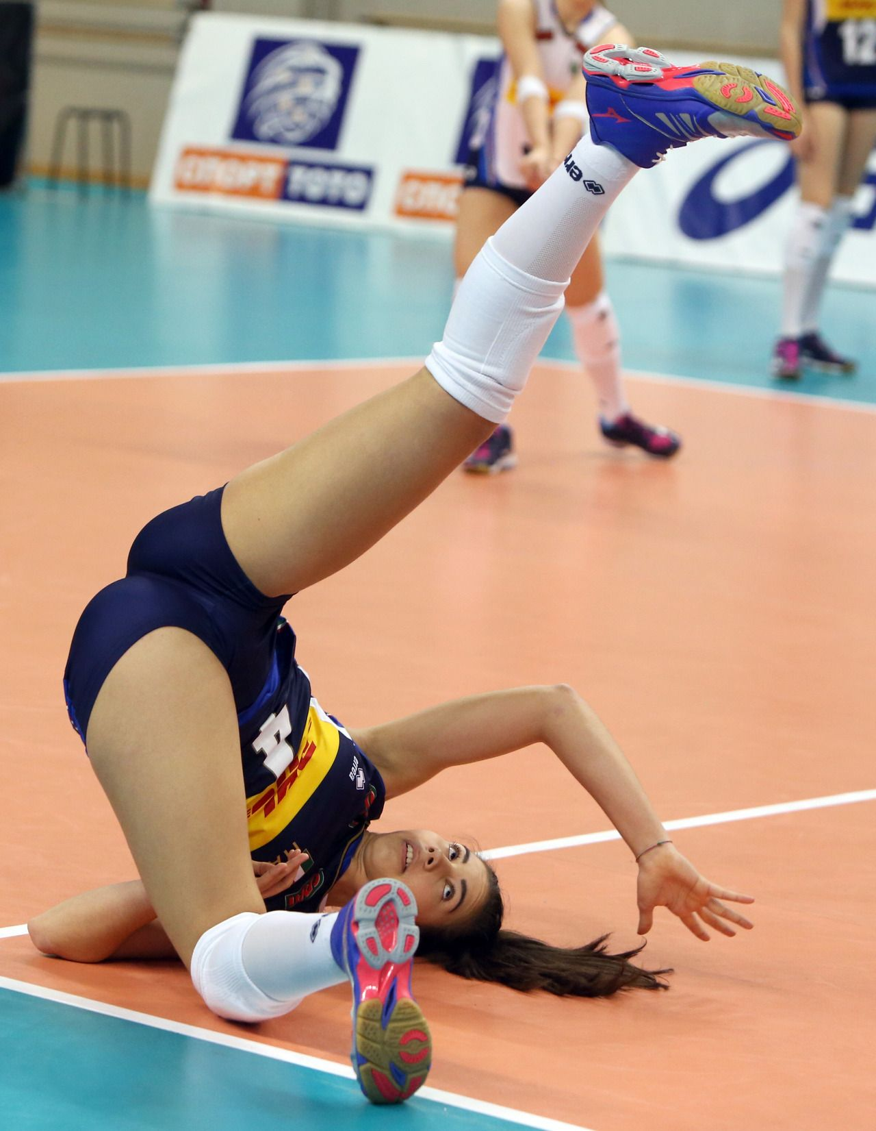Girls Of Sports Female Volleyball Players Volleyball Players Volleyball Photography