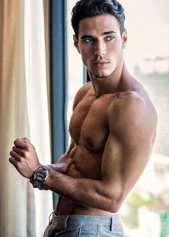 Model heiße männer Bilder von