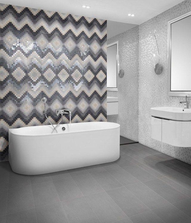 Stylisches Bad Mit Mosaikfliesen Gestalten Trendy Winkelmuster Und Badezimmer  Bodenbelag Gegossen