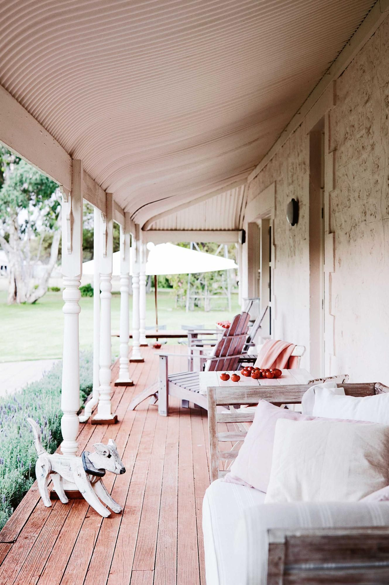 9 country verandahs you'll want to relax on Outdoor
