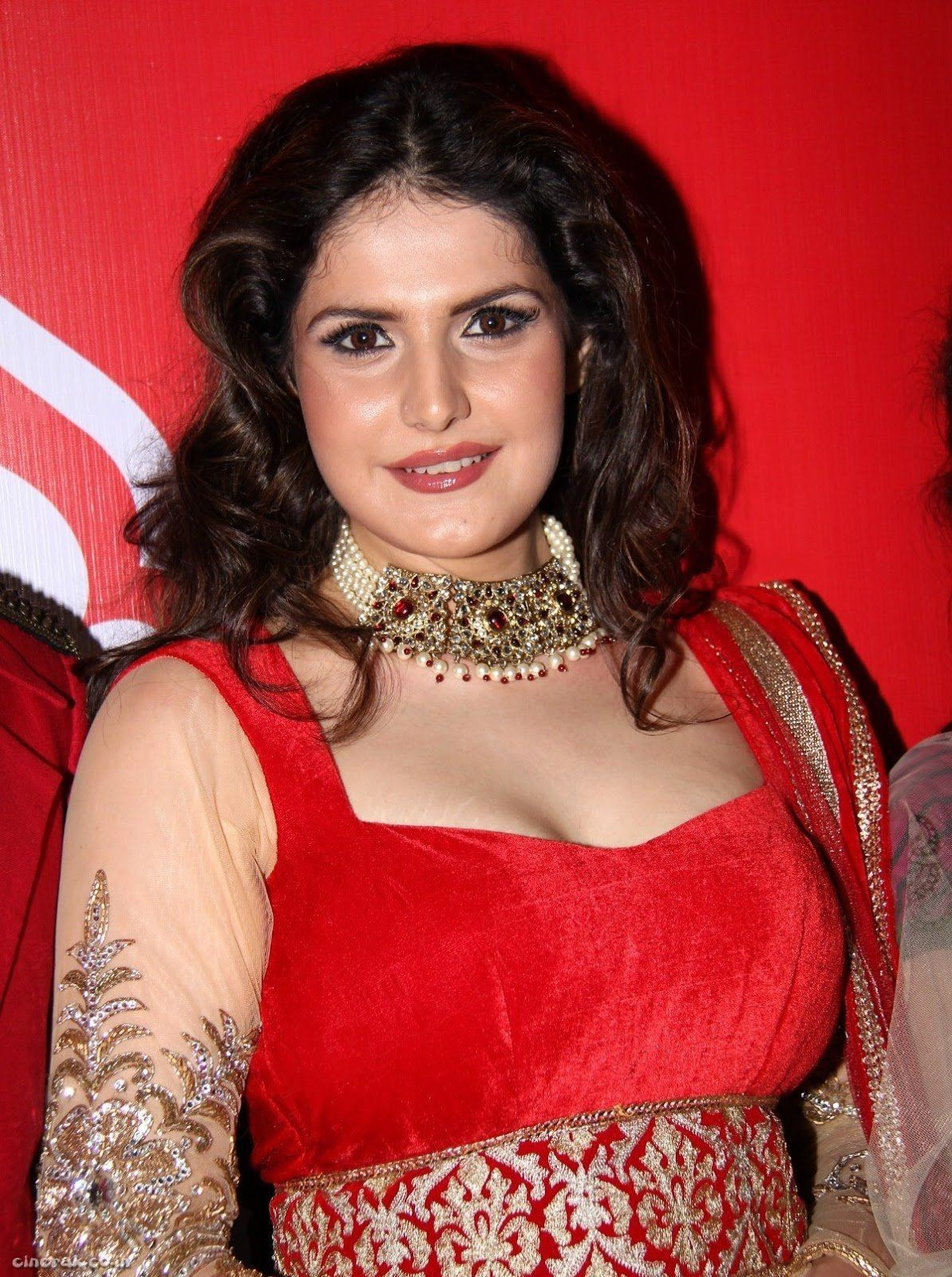 Zarine khan weight loss when youre a bollywood celebrity you are zarine khan weight loss when youre a bollywood celebrity you are bound to be under the spotlight 24x7 being an actress is not just about acting skills ccuart Image collections