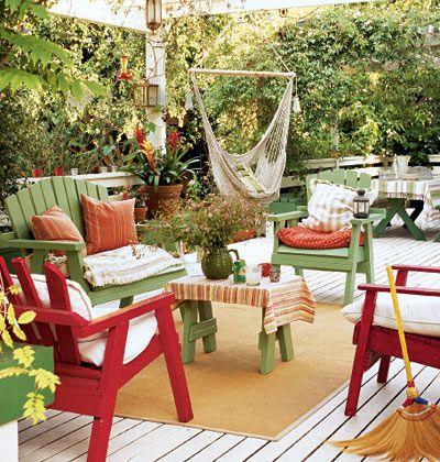 A fresh retake the big idea don 39 t throw out that shabby for Color de pintura al aire libre casa moderna