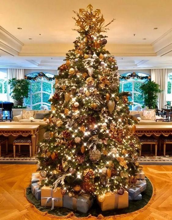 36 Fashionable Christmas Tree Ideas Must Copy In 2020 Home Design Interior Design Diy Christmas Tree Inspiration Christmas Tree Decorations Christmas Tree