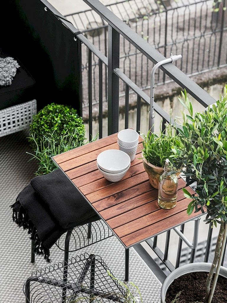 image source : pinterest.com Make an impression from your balcony