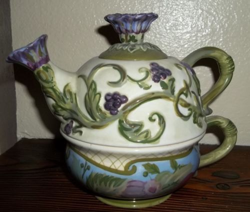 TRACY PORTER TEA FOR ONE TEAPOT/CUP SET, NEVER USED, HARD TO FIND CLOVER PATTERN