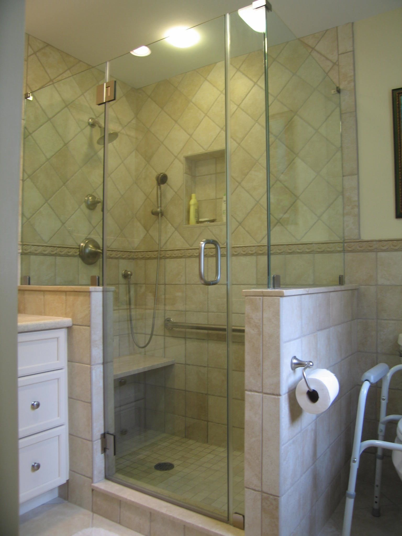 Frameless shower enclosure, L shape with high knee-walls, clip ...