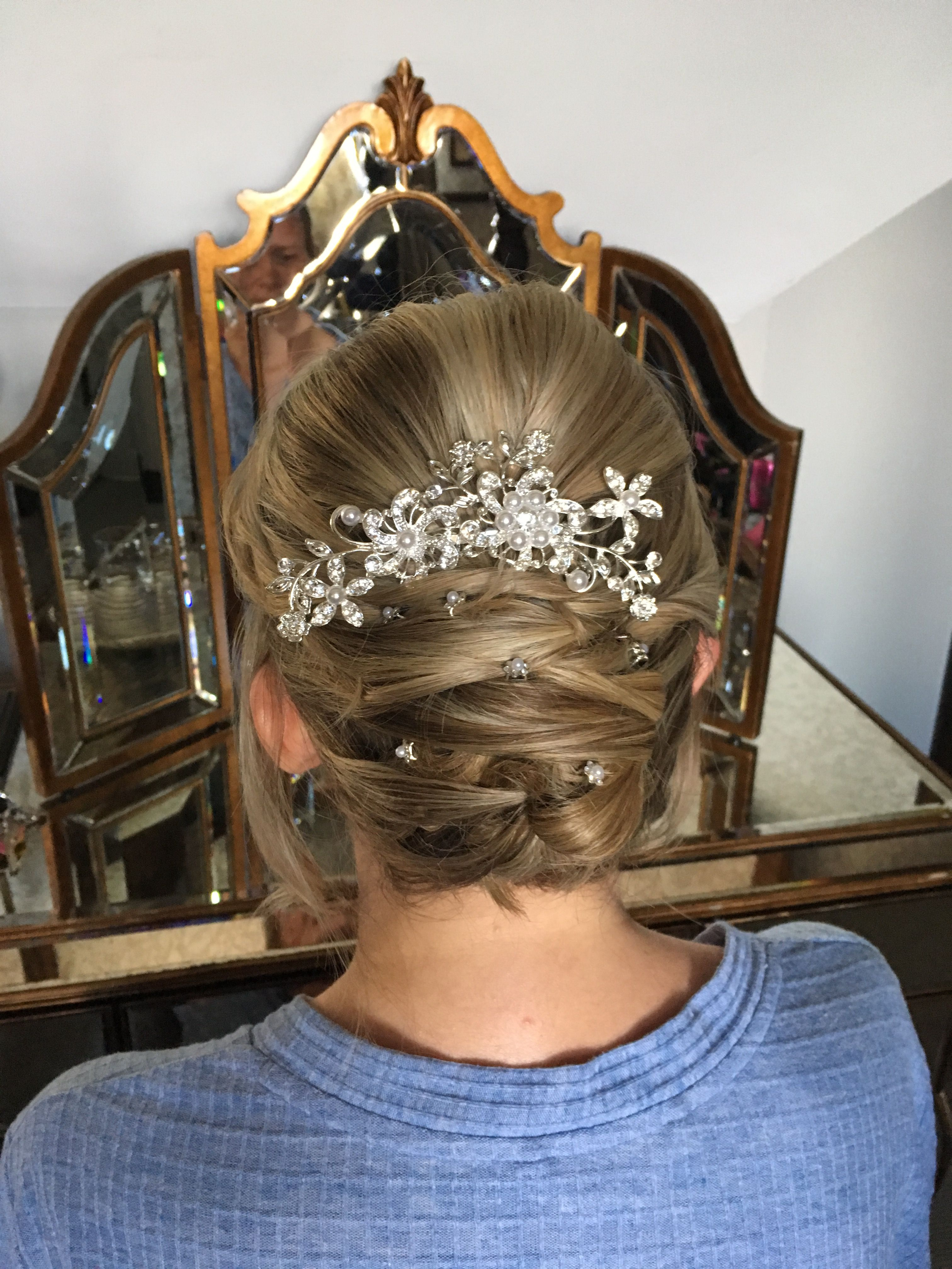 updo #twists #sleek #classic #blond #pins #diamente #wedding