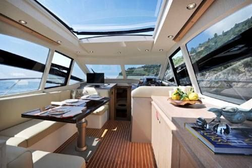 Colombo 39 alldays salon luxury boat and italian style for Colombo design spa