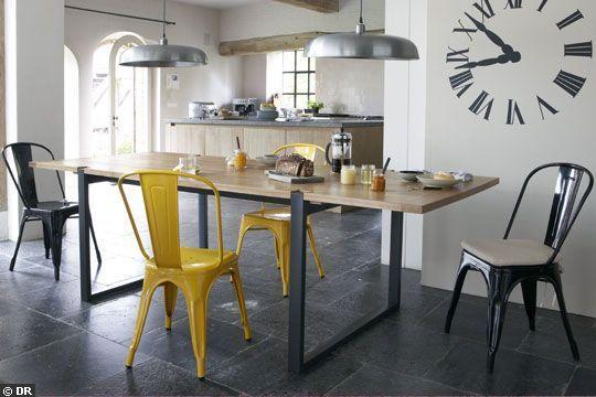 Table style industriel - Une vraie table pour déjeuner et dîner - CôtéMaison.fr