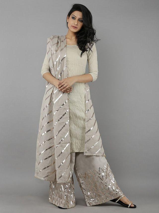 7b77e31a29 pintrest@Dixna deol   dresses in 2019   Indian dresses, Pakistani ...