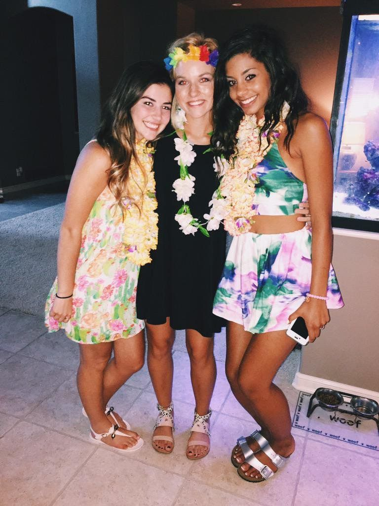 Hawaiian Theme Football Gal Pals Themed Outfits
