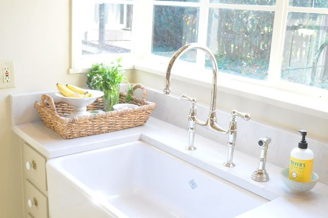 Farmhouse sink w lagoon silestone quartz kitchen for Silestone sink