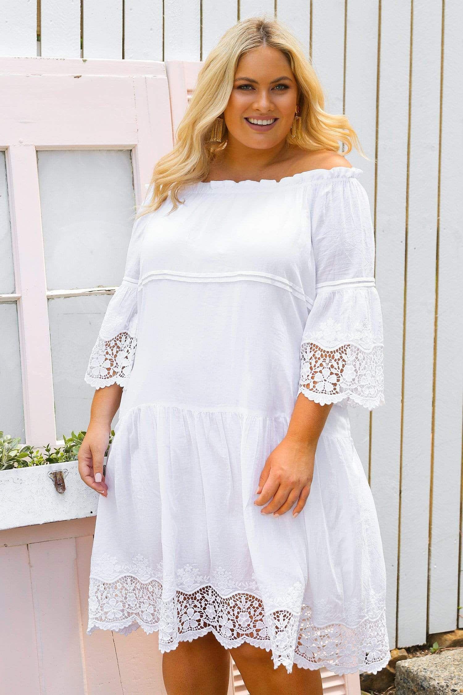 Adrift Women S Plus Size Willa Dress In Lace White 100 Cotton Relaxed Fit Shape Adrift Clothing Dresses Stylish White Dress White Lace [ 2250 x 1500 Pixel ]
