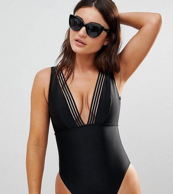 Found: 16 swimsuits for larger busts that are sweet AND supportive ...   - Heisser Badeanzug -