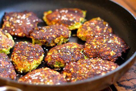 Sprøde broccoli deller med ost og sesamfrø | opskrifter | Pinterest | Food, Broccoli og Fabulous ...