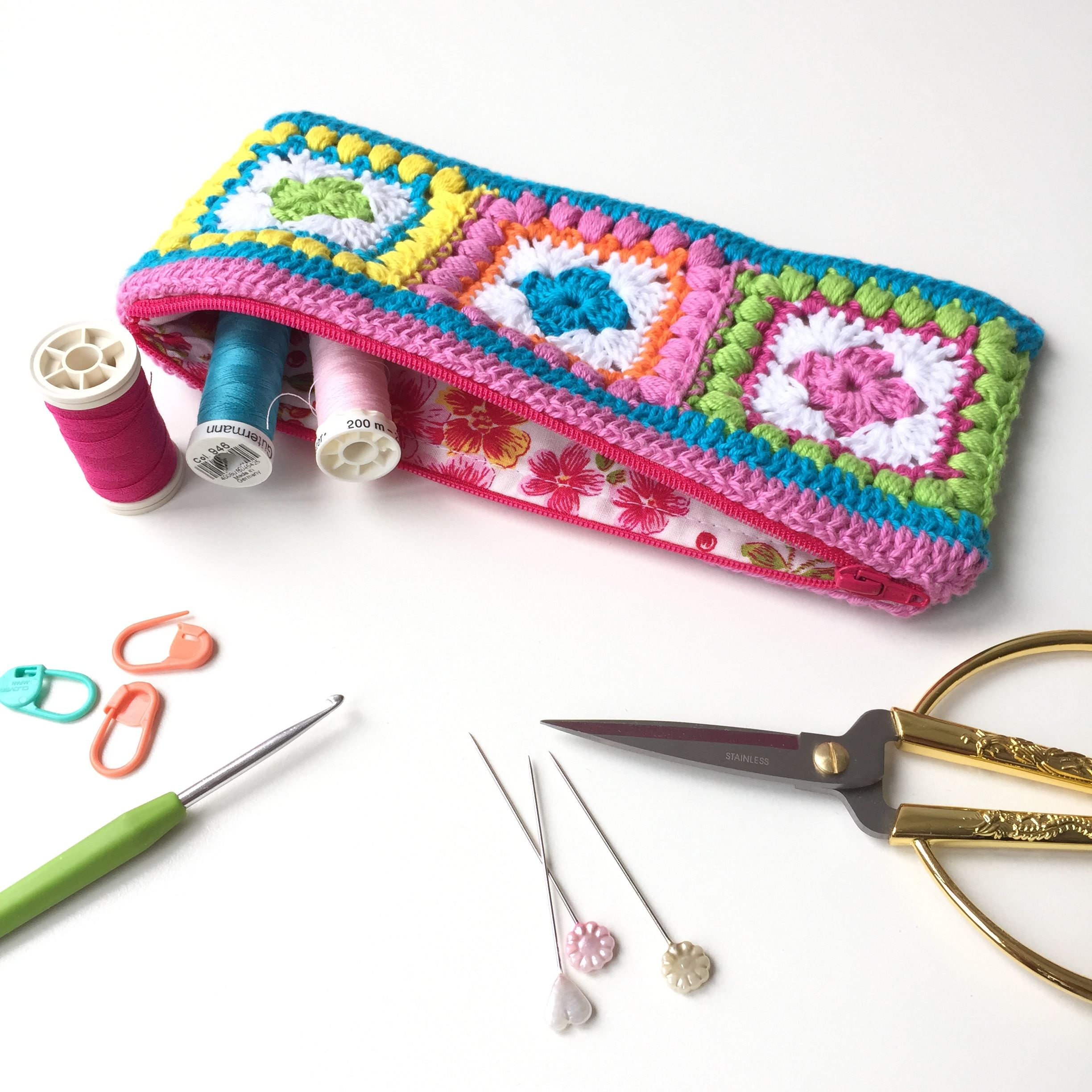 Bobble Square Zippered Hook Case - free pattern & tutorial, wow ...