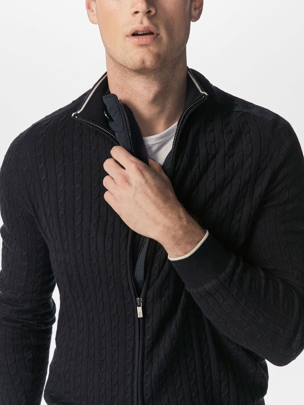 View All Sweaters And Cardigans Men Massimo Dutti W18