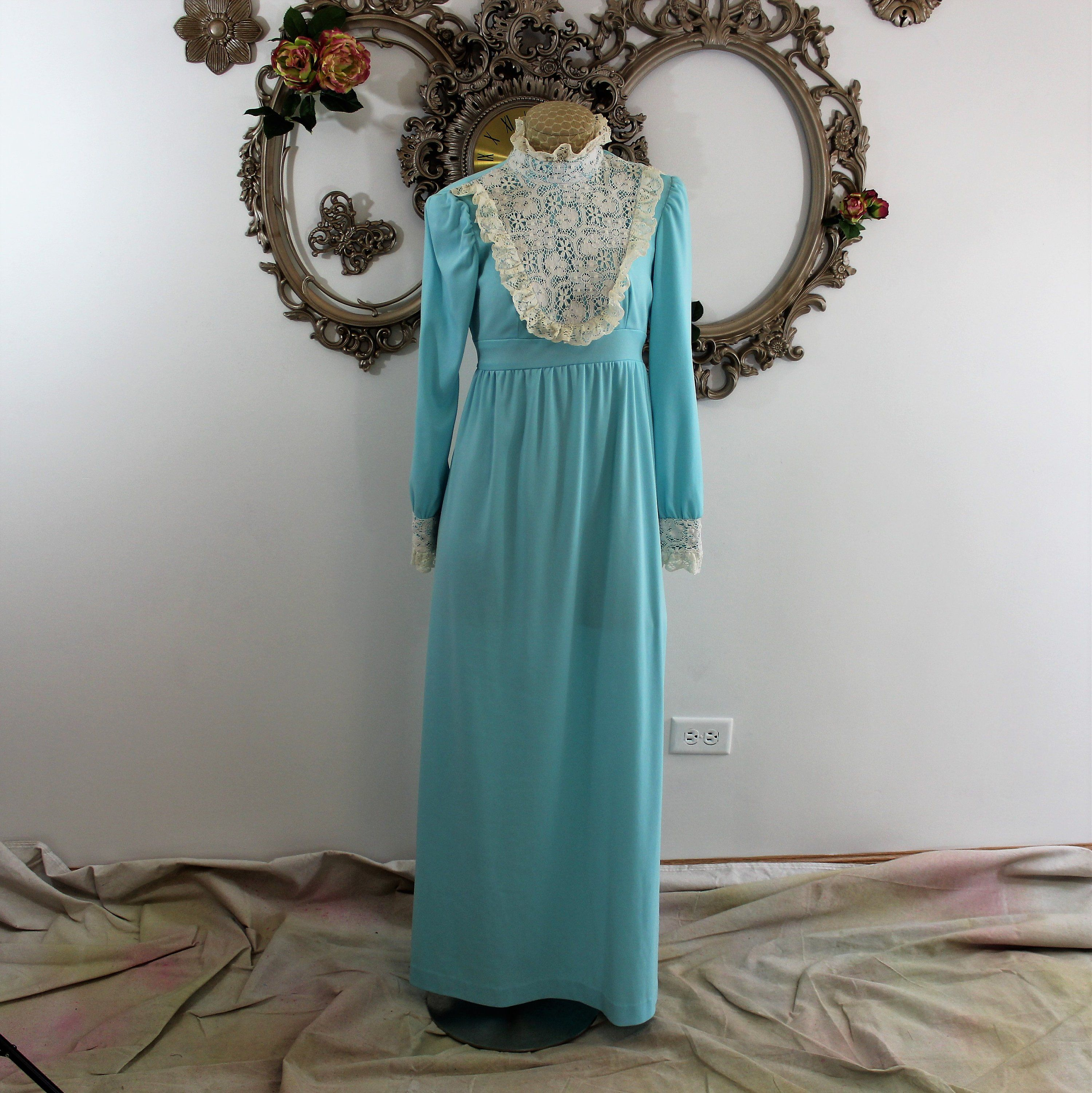 Vintage 1970 S Long Dress Hand Made Turquoise With Lace Etsy Dresses Long Dress Prom Dresses Vintage [ 3000 x 2999 Pixel ]