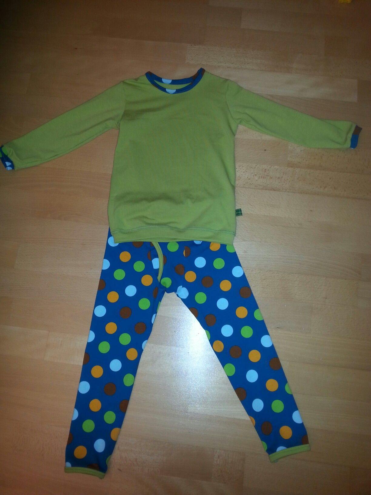 Und noch ein Schlafanzug aus Reststoffen in Gr 104