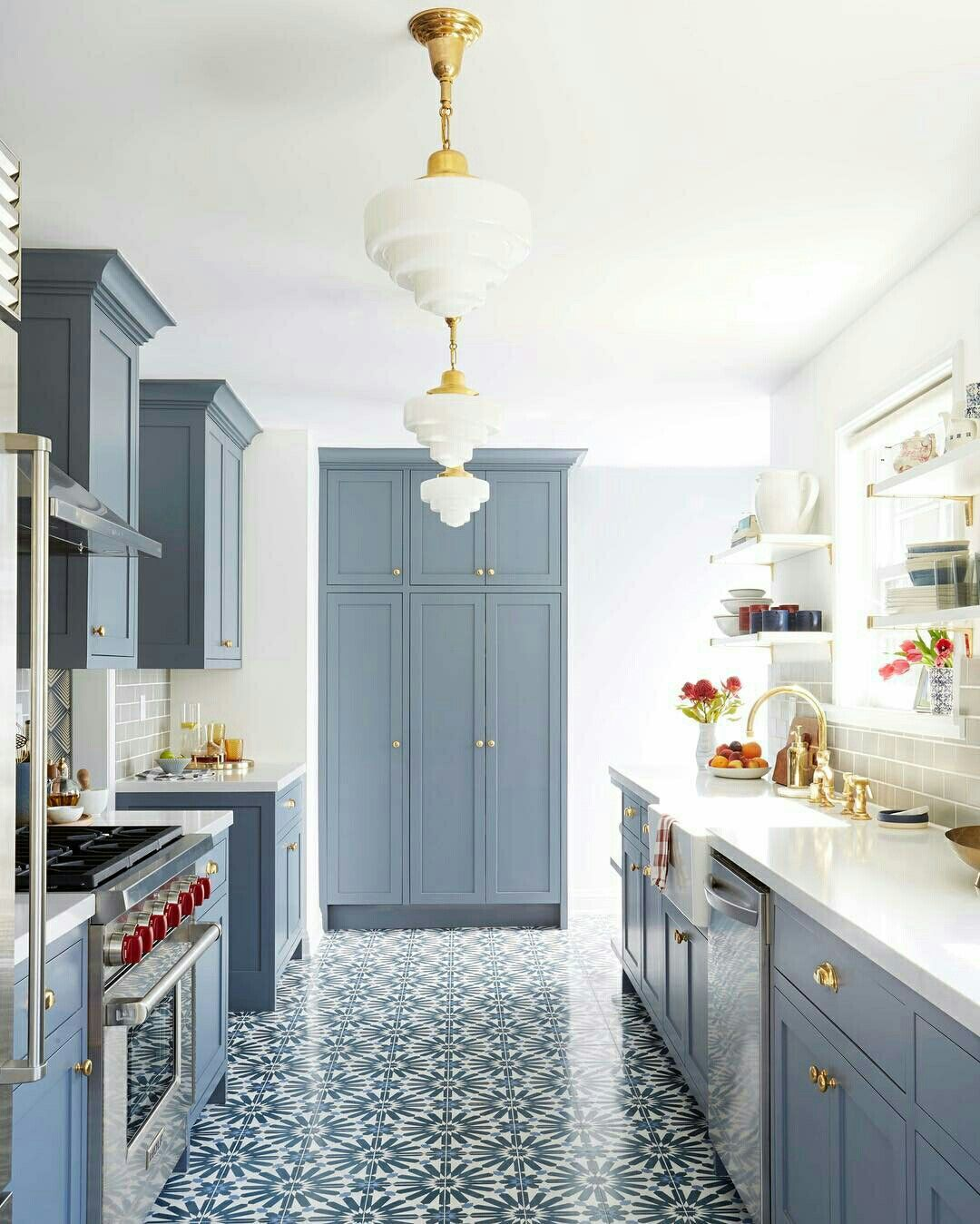 Kitchen by B Owens | dessert cafe | Pinterest | Kitchens, Backsplash ...