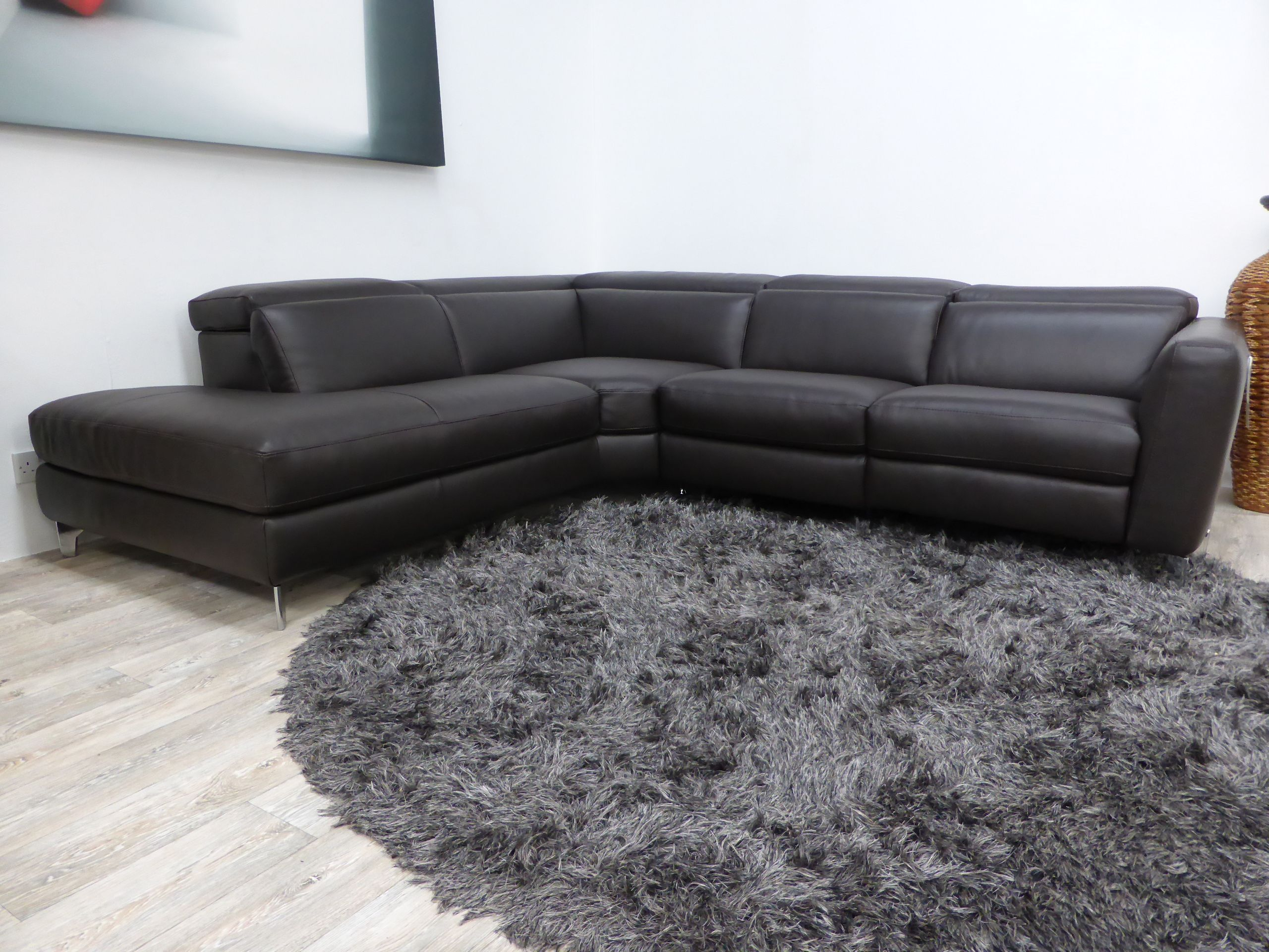natuzzi italia volo sofa natuzzi italia philadelphia 321 south street 215 515 3398. Black Bedroom Furniture Sets. Home Design Ideas