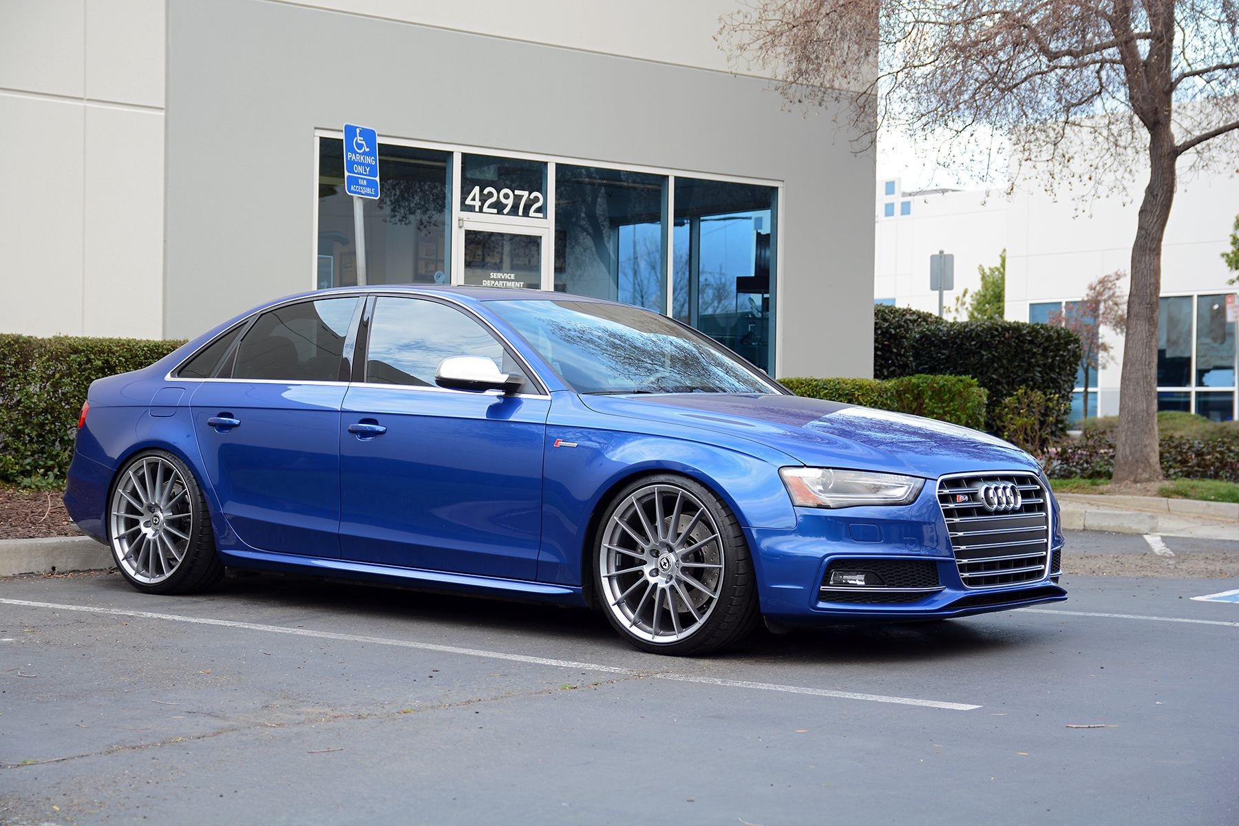 modified b8 5 audi s4 on hre wheels at 034motorsport b8. Black Bedroom Furniture Sets. Home Design Ideas