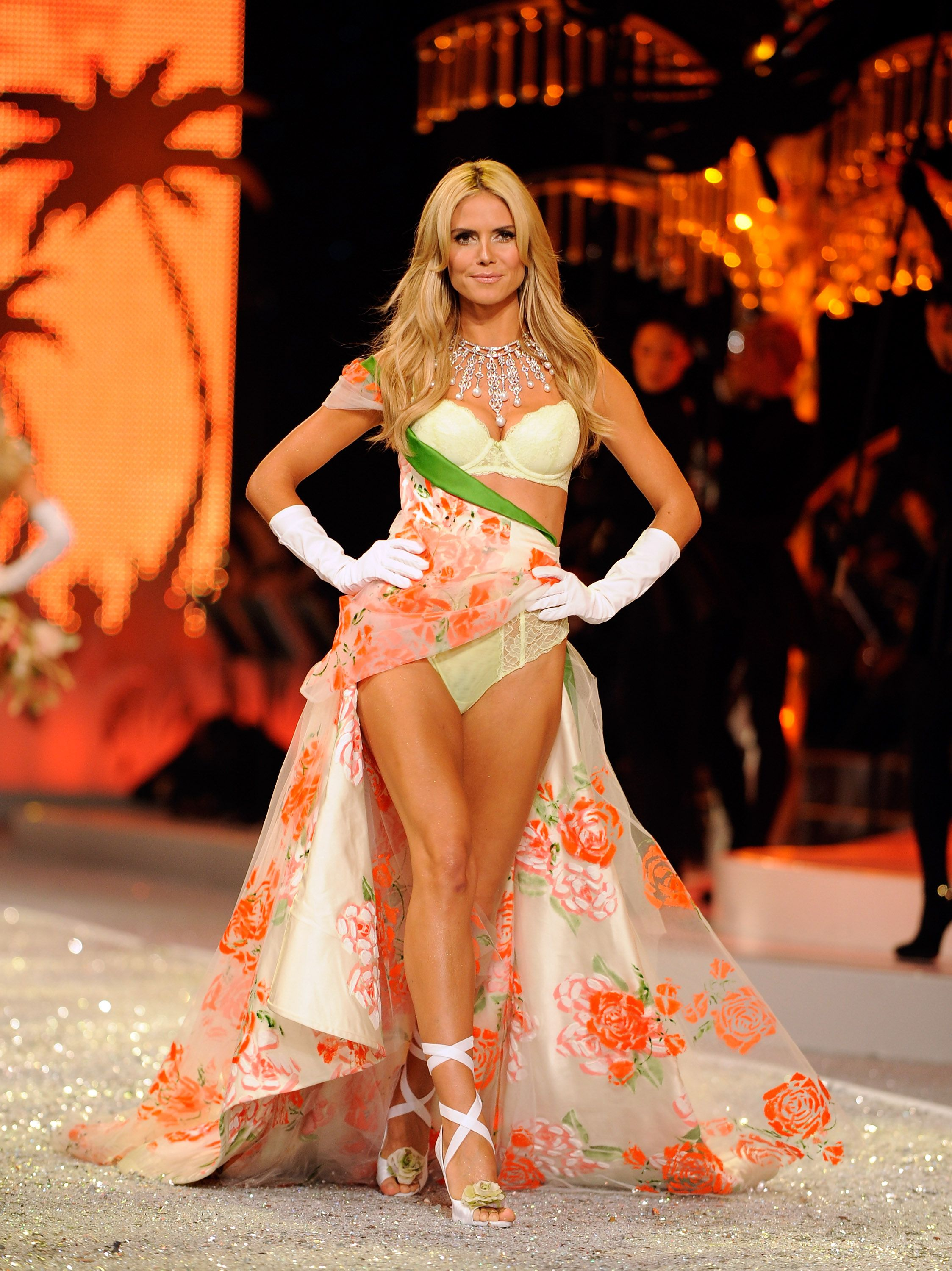 Heidi Klum Victoria S Secret Fashion Show 2008 Hermosa